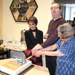 Jude, Richard and Lena cut the cake